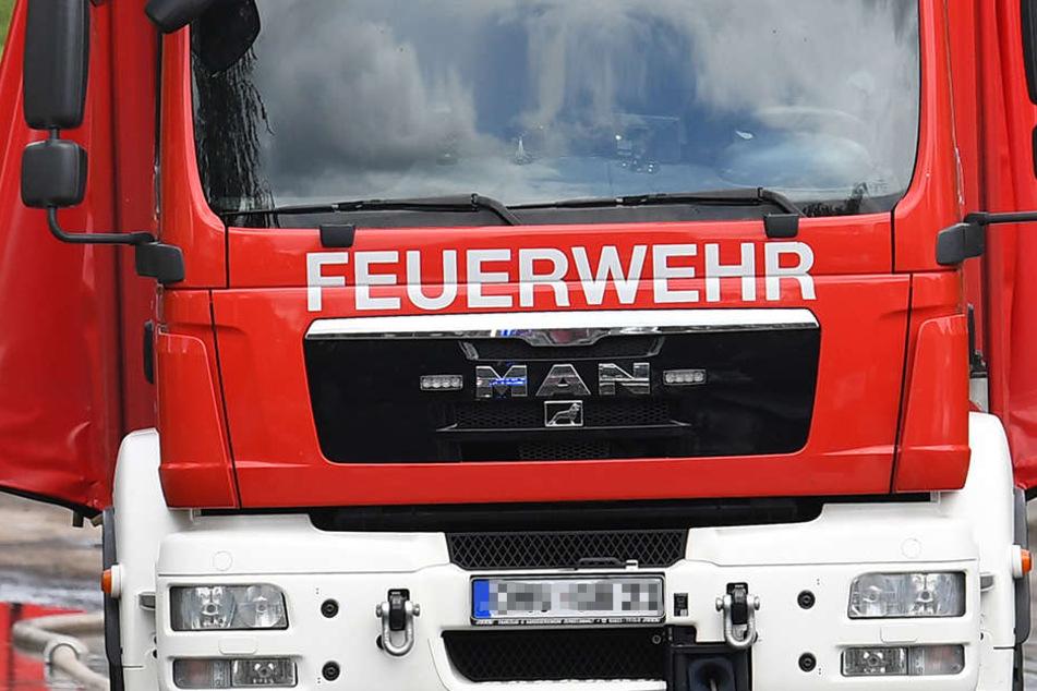 Die Feuerwehr führte Lüftungsmaßnahmen durch, um der starken Rauchentwicklung zu begegnen.