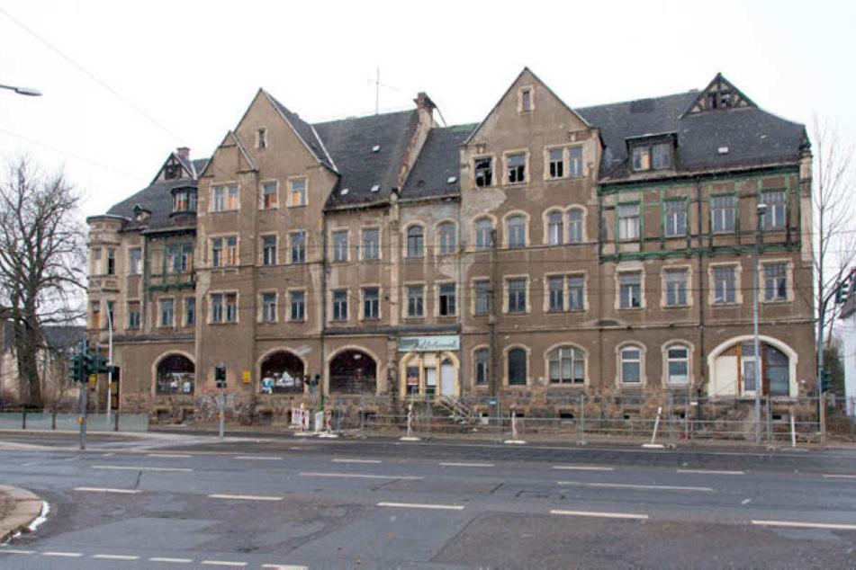 Abriss oder Wiederauferstehung: Wie es mit dem maroden Kulturdenkmal an der Annaberger Straße weitergeht, ist völlig offen.