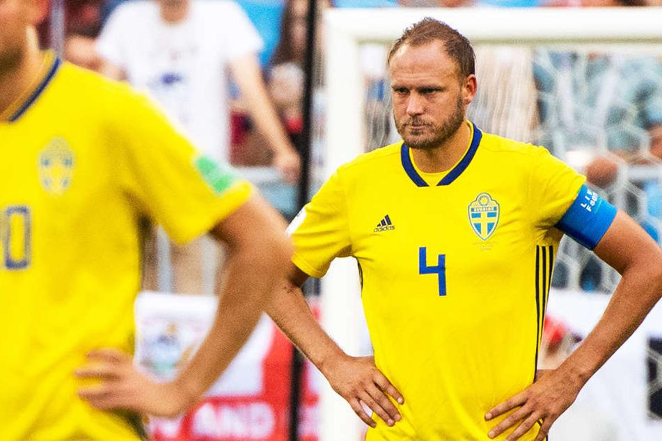 Muss für das Tragen falscher Socken eine hohe Strafe an die FIFA zahlen: Schwedens Andreas Granqvist (33).