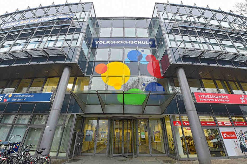 Die Volkshochschule Dresden (Annenstraße 10) feiert in diesem Jahr ihr 100-jähriges Jubiläum.