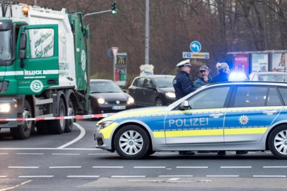 Die Polizei hatte intensiv nach dem Unfallfahrer gesucht. Am Montag stellte er sich jedoch selbst. (Symbolbild)