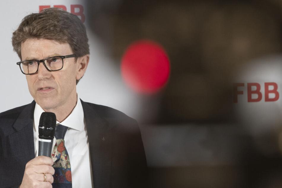 Flughafenchef Engelbert Lütke-Daldrup (62, SPD) nach einer Sitzung des BER-Aufsichtsrates.