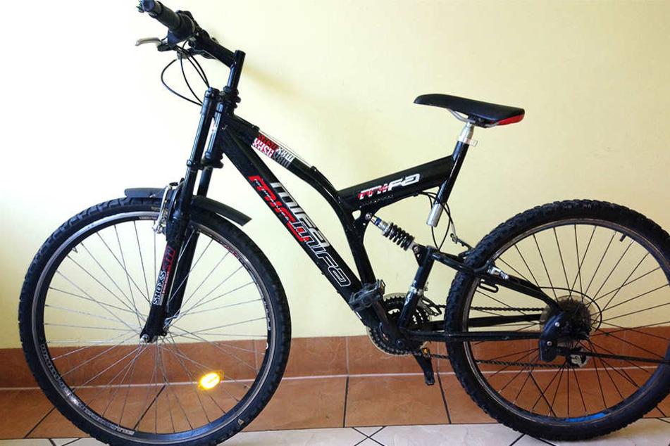 Auch dieses Fahrrad gehört nicht etwa einem 32 Jahre alten Mann, in dessen Besitz es war.