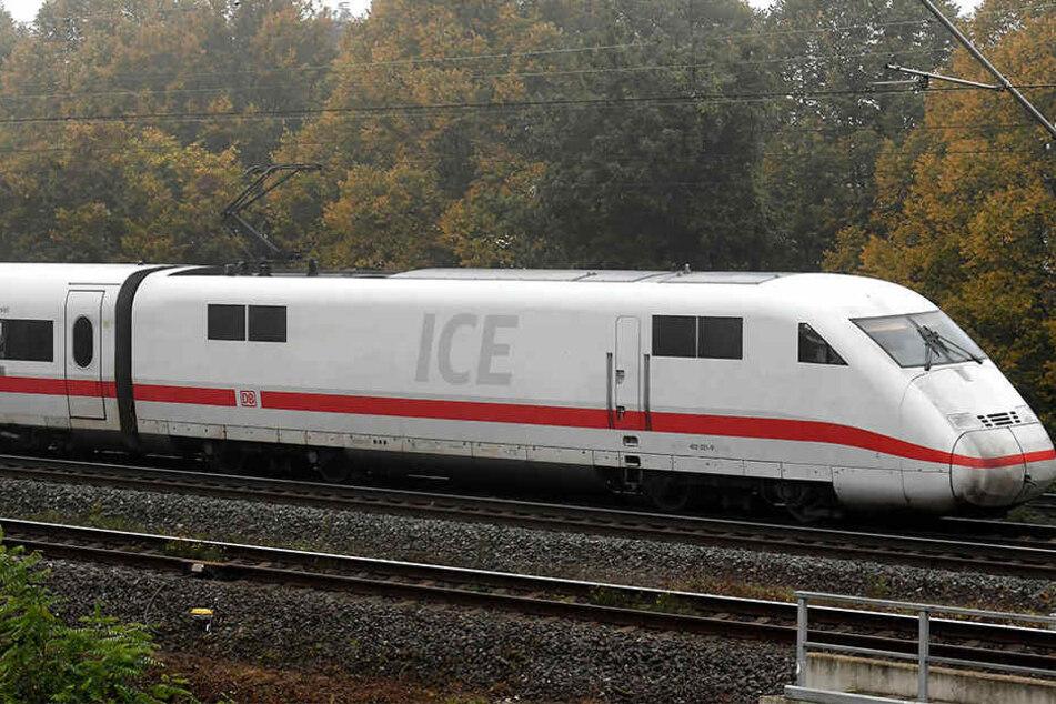 Der ICE von Köln endete vorzeitig in Löhne! Die Verspätungen sind immens.