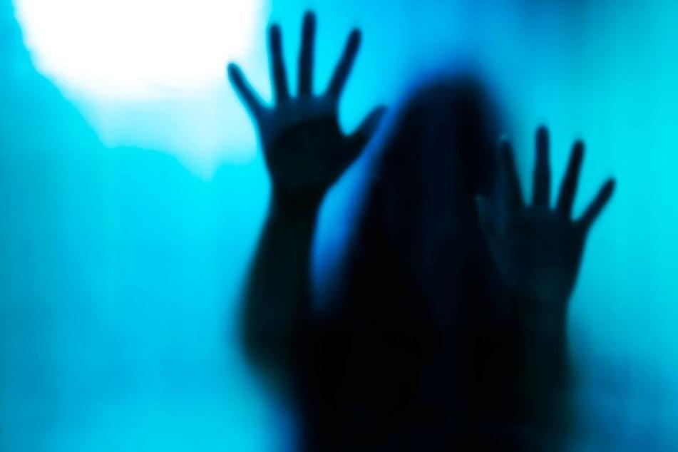 Die Dreizehnjährige ging durch die Hölle (Symbolbild).
