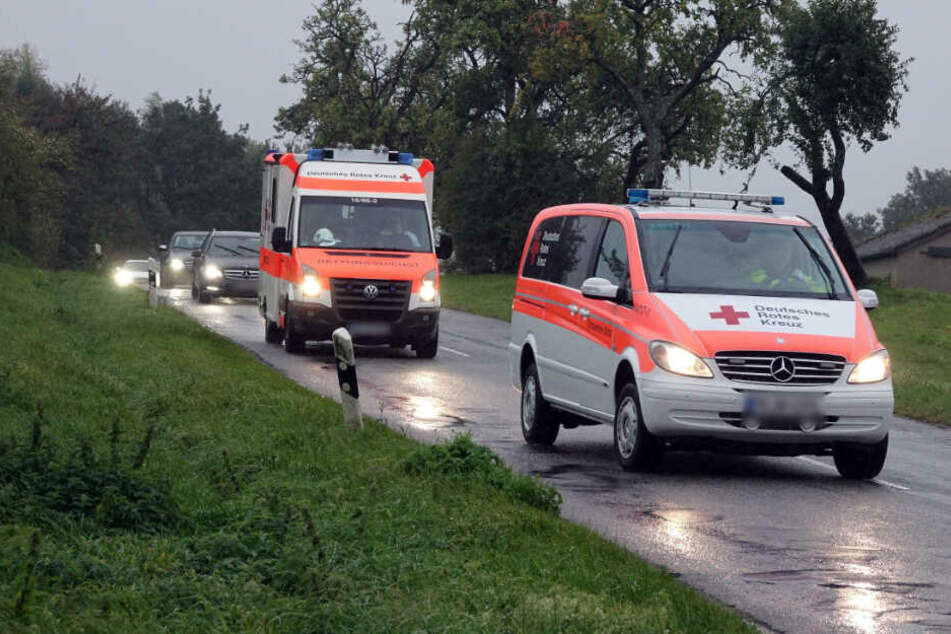 Kleinbusfahrer stirbt während der Fahrt nach gesundheitlichem Notfall