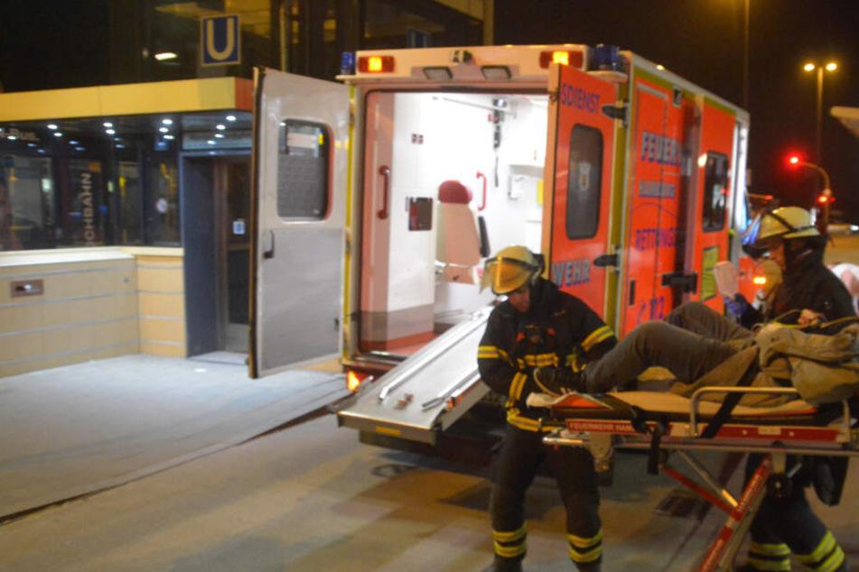Die Rettungskräfte versuchten die Frau zu reanimieren, doch ohne Erfolg. (Symbolbild)