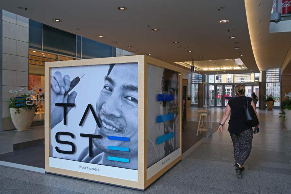Tabakerhitzer IQOS hat seit neuestem einen Stand in der Altmarkt Galerie.