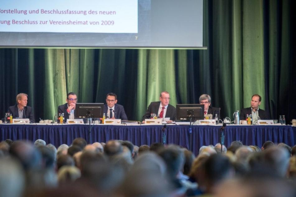 Die Gremienvertreter zur Mitgliederversammlung im November 2016.