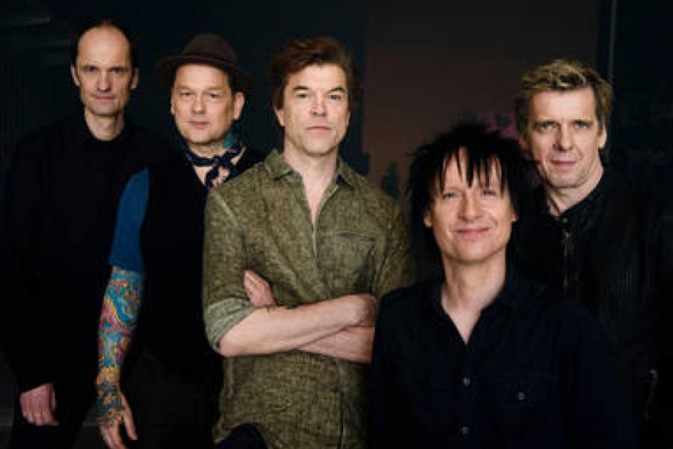 """Die Mitglieder der Band Die Toten Hosen, Michael Breitkopf """"Breiti"""" (l-r), Andreas von Holst """"Kuddel"""", Andreas Frege """"Campino"""", Vom Ritchie und Andreas Meurer """"Andi""""."""