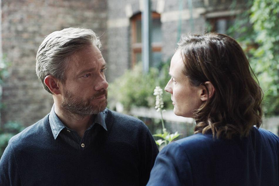 Thomas Hirsch (l., Martin Freeman) glaubt Rachel (Diane Kruger) und vertraut ihren Fähigkeiten.