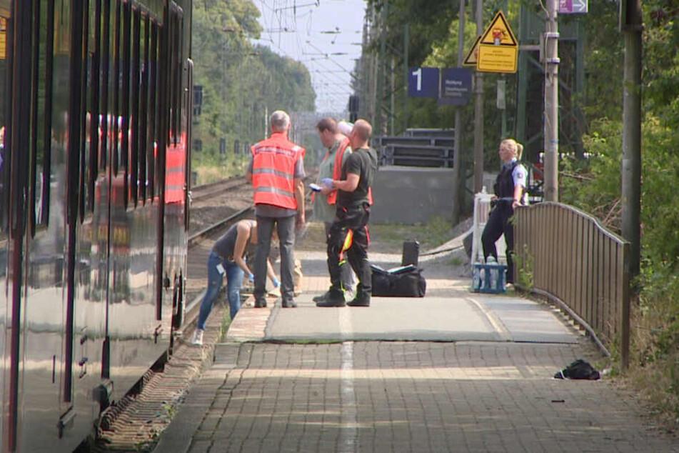 Schreckliche Tat: 28-Jähriger schubst Frau (†34) in NRW vor einfahrenden Zug