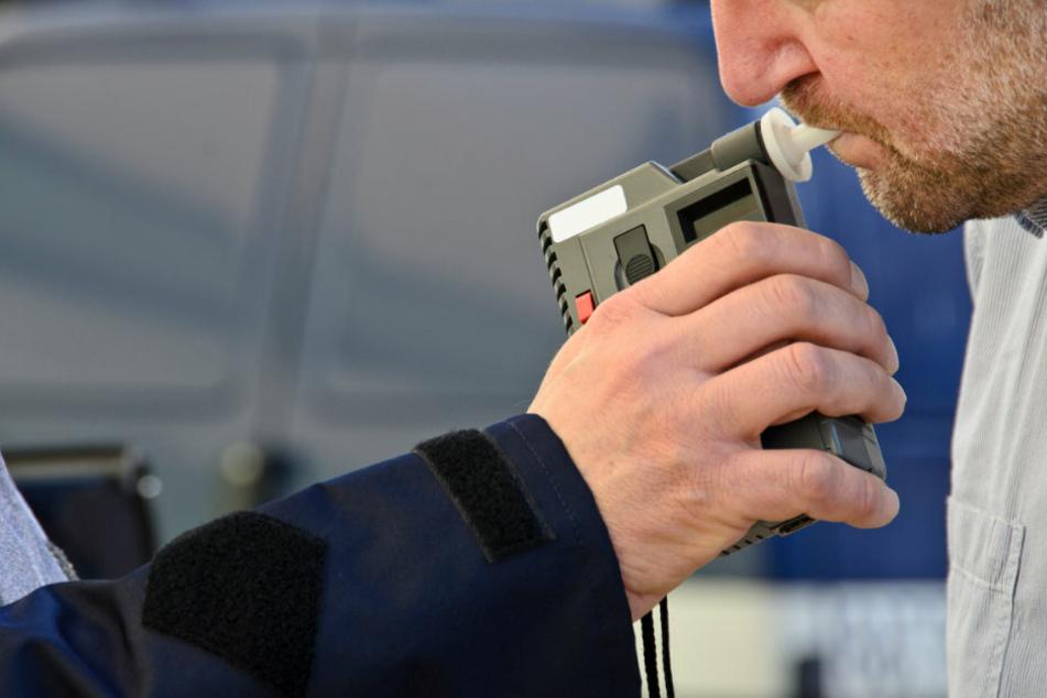 Bei der Kontrolle wurde auch ein betrunkener Autofahrer erwischt. (Symbolbild)