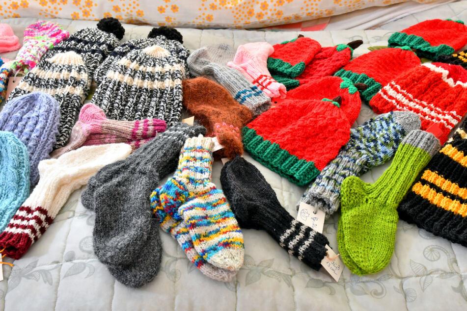 Socken, Mützen, Schals: Rund 500 Stück schafft die Senioren jedes Jahr.