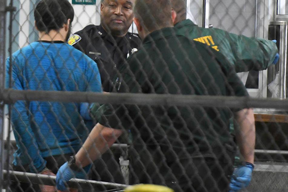 Hier wird der mutmaßliche Täter, Esteban S. (26) verhaftet. Er soll am Freitag fünf Menschen erschossen haben.