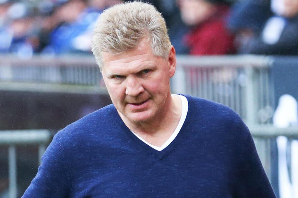 Stefan Effenberg bekam wegen seiner Ex-Frau Claudia einen offenbar bereits vereinbarten Trainerjob beim FC Schalke 04 nicht.