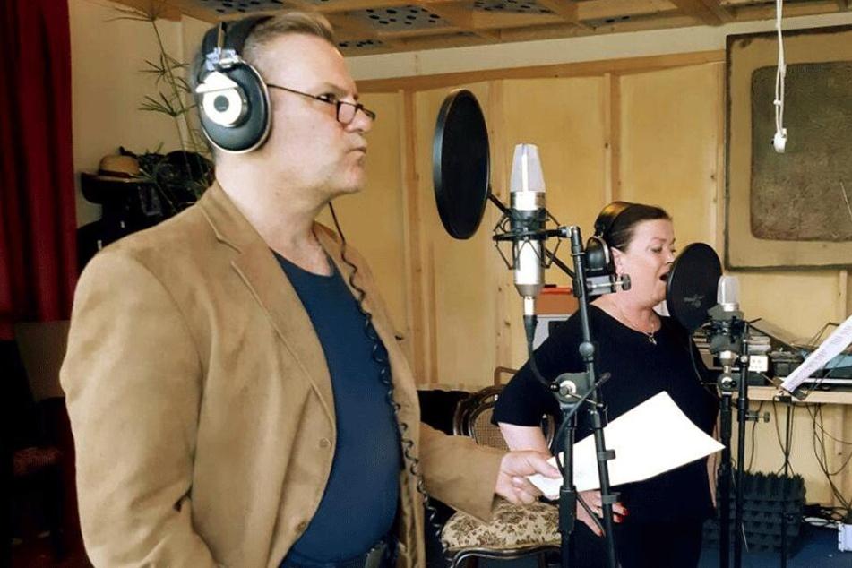 Tom Quaas und Kati Grasse im Studio.