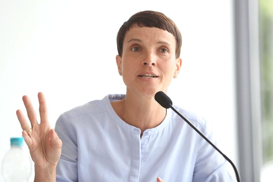 Frauke Petry (43, Die blaue Partei).