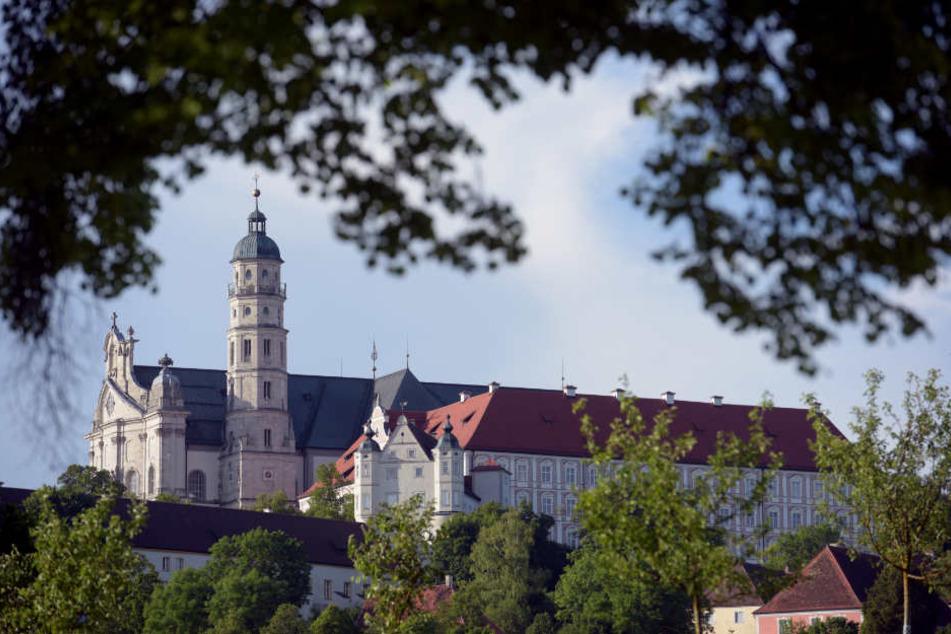 Das Kloster Neresheim. Die Mönche haben die Millionen bislang nicht angerührt. (Archivbild)
