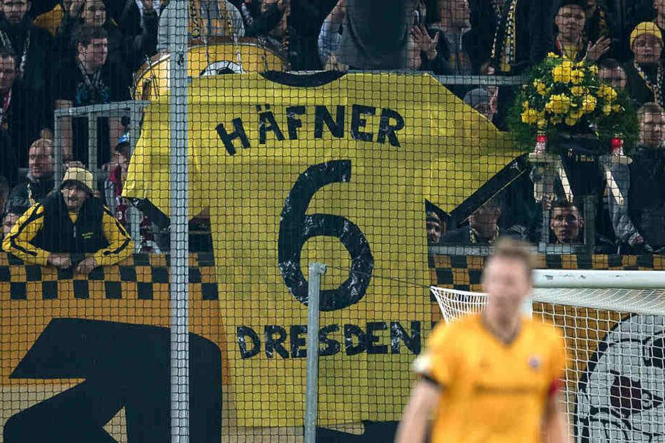 Häfner und die Nr. 6 - ein Plakat im K-Block.