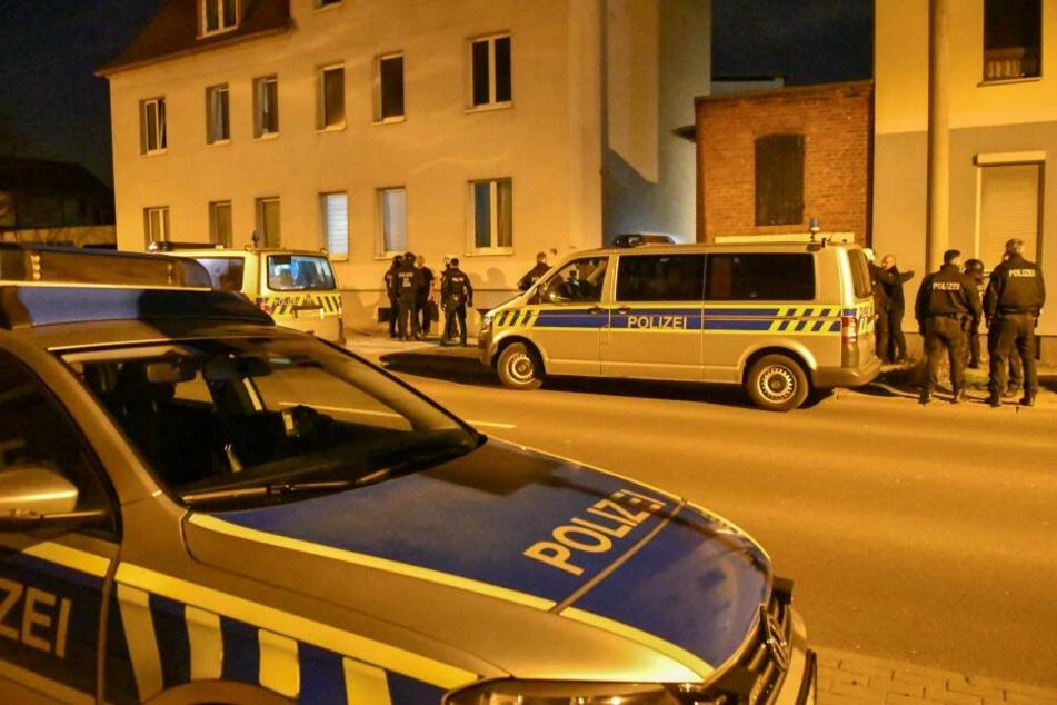 Mit einem Großaufgebot beendete die Polizei am Samstag eine Rechtsrock-Party in Magdeburg.