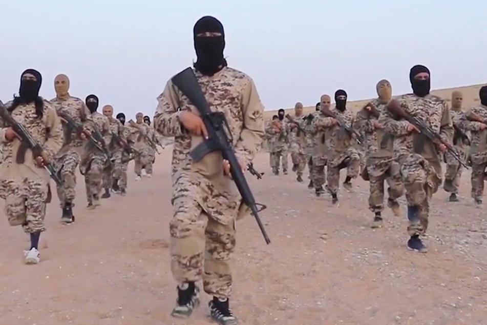 Der Ausschnitt eines undatierten Propagandavideos vom IS.