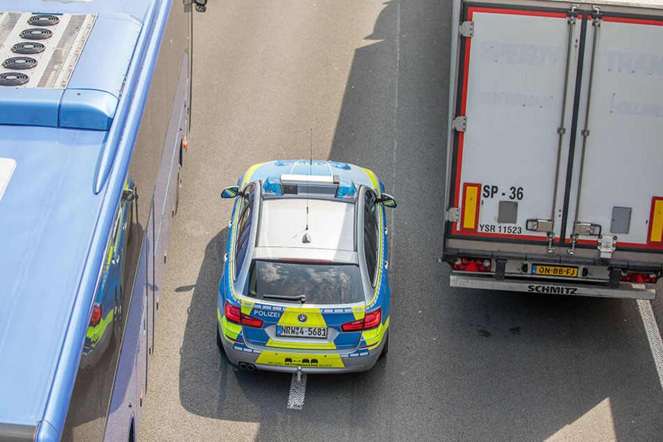 Der Unfall war wenig spektakulär, aber trotzdem gab es einiges zu tun für die Polizei. (Symbolbild)