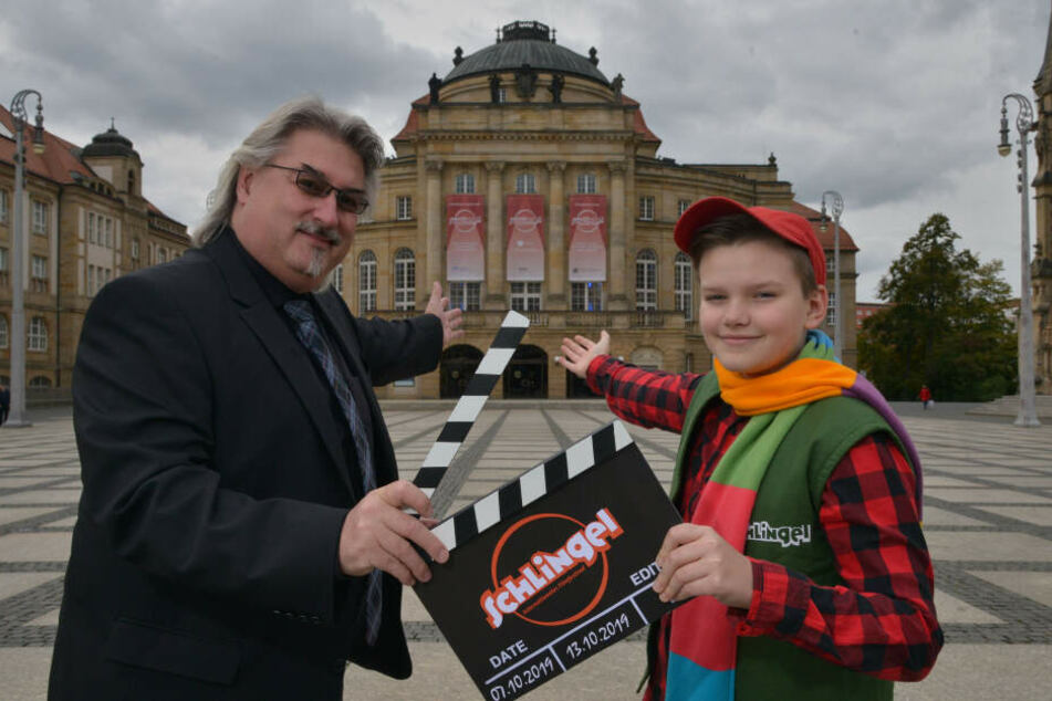 Festival-Leiter Michael Harbauer (50) machte das Filmfest in Chemnitz zum Erfolg. Schlingel Frederic (11) half bei der vergangenen Ausgabe als Maskottchen.