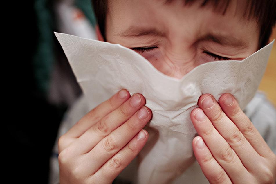 Auch Kinder sind von der Grippewelle in Nordrhein-Westfalen betroffen (Symbolbild).