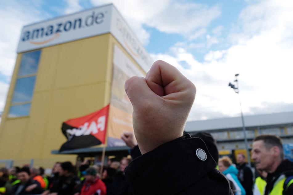 Warum fahren streikende Amazon-Mitarbeiter aus Leipzig nach Berlin?