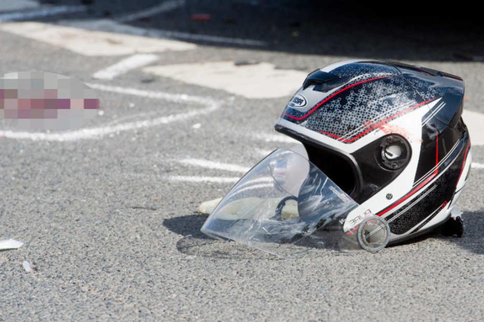 Auch der Biker wurde bei dem Unfall verletzt (Symbolbild).