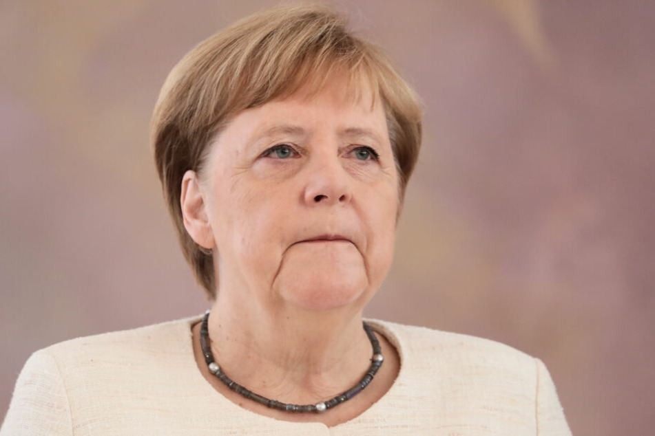 Erneuter Zitteranfall bei Bundeskanzlerin Angela Merkel.