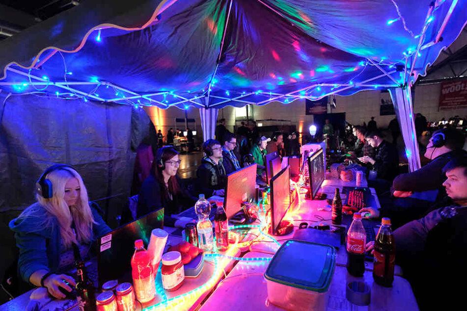 In Leipzig kommen Gamer voll auf ihre Kosten. Wie hier, bei einer LAN-Party auf dem Messegelände im Januar.
