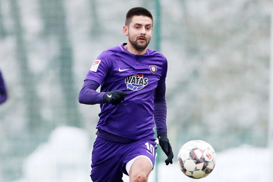 Ein Star wirbt fürs Erzgebirge: FCE-Stürmer Dimitrij Nazarov (28).