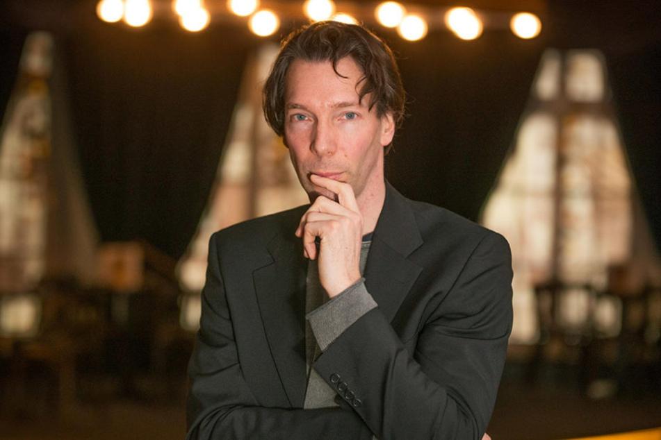 Der Dresdner Sherlock Holmes: Boris Schwiebert (45) sieht Benedict Cumberbatch zum Verwechseln ähnlich.