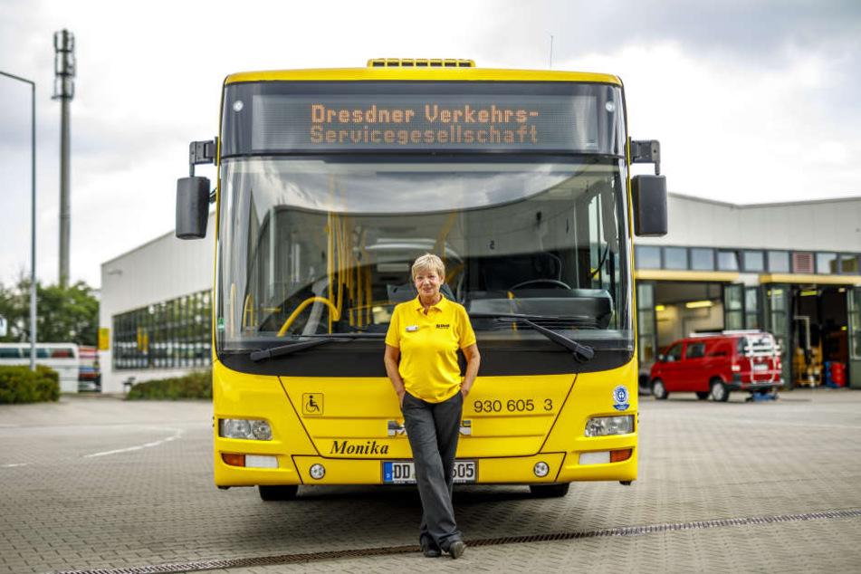 Monika Franke(57) wirft immer ein genaues Auge auf den Bus mit ihrem Namen.
