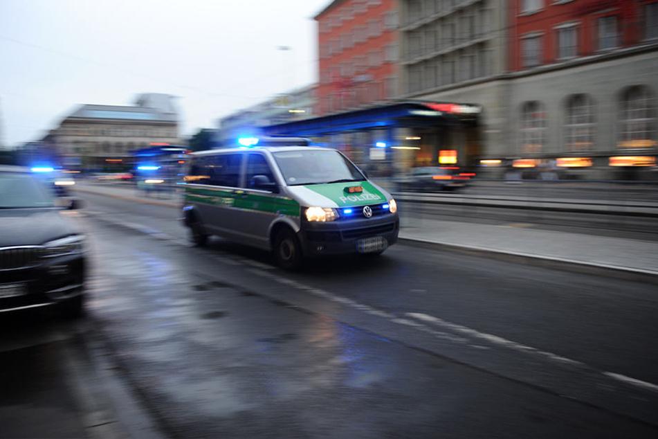 Polizeibeamte nahmen den 15-jährigen Neukirchen-Vluyner vorläufig fest. (Symbolbild)