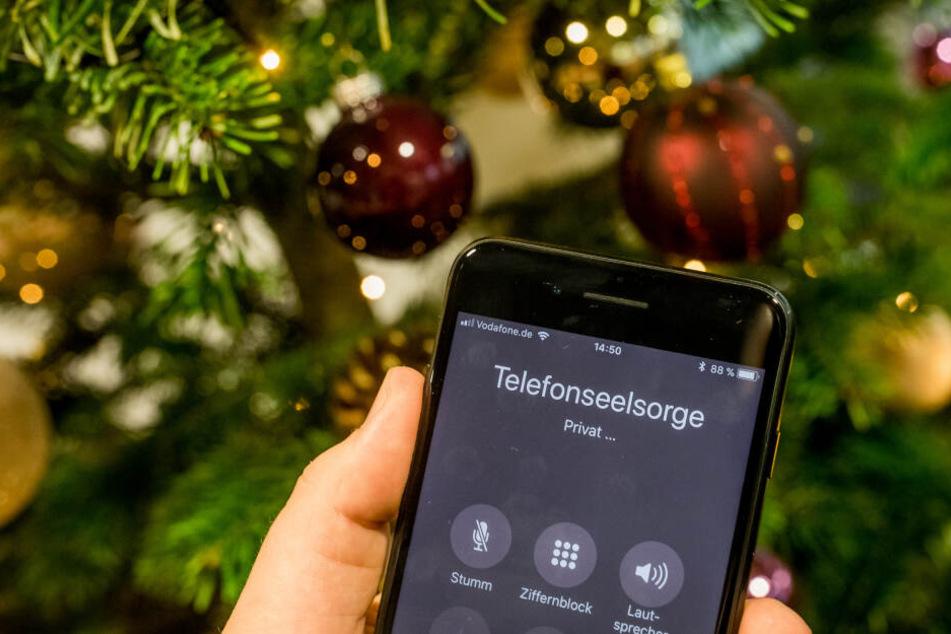 Weihnachten alleine: Telefonseelsorge braucht selbst Hilfe