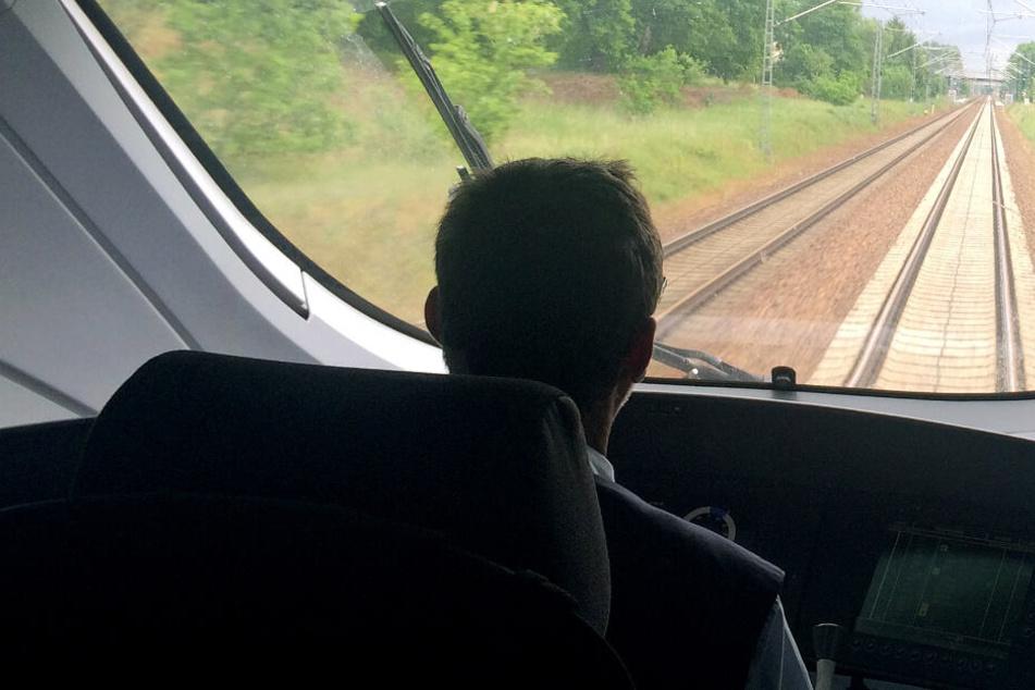 Ein Viertel aller Züge fallen wegen fehlender Lokführer aus: Geplante Hilfe? Fehlanzeige!