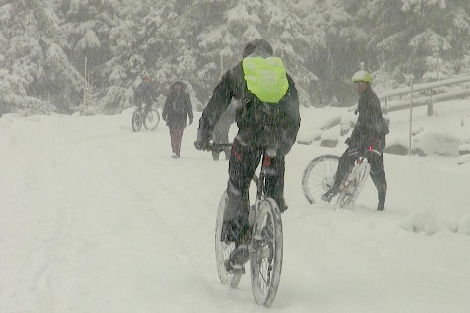 10 Zentimeter Neuschnee im Osten, und es soll noch mehr kommen!