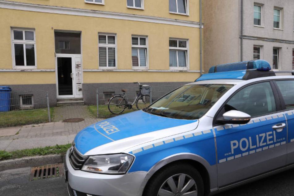 Mann (37) stürmt in Wohnung und ballert um sich! Schütze auf der Flucht