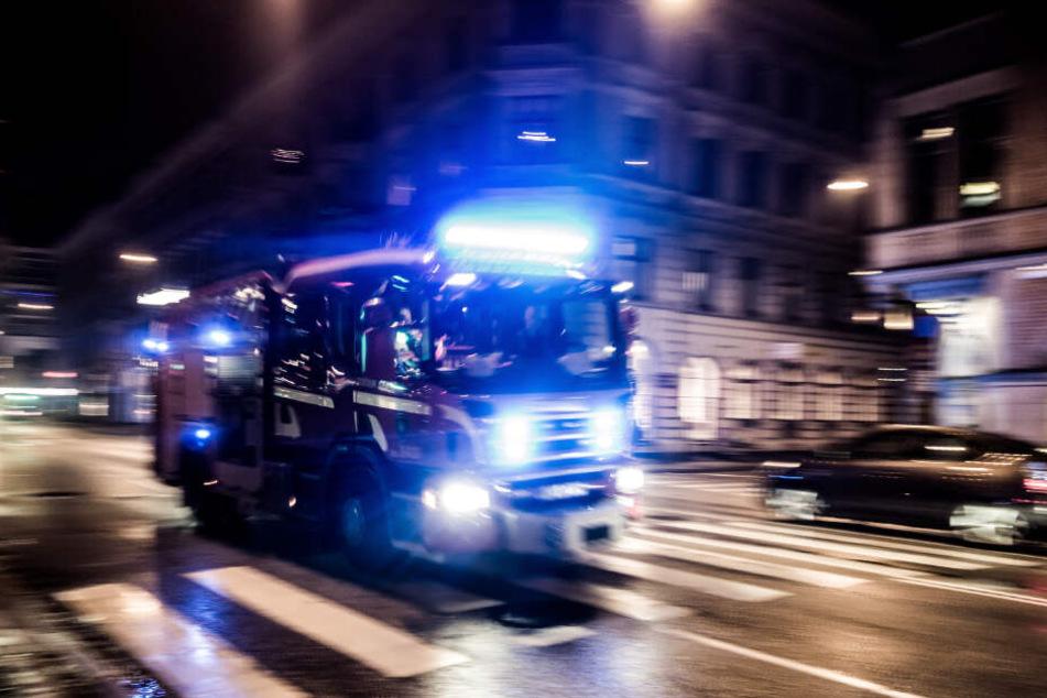 Laut Feuerwehr wurden 21 Erwachsene und fünf Kinder vorübergehend in Sicherheit gebracht. (Symbolbild)