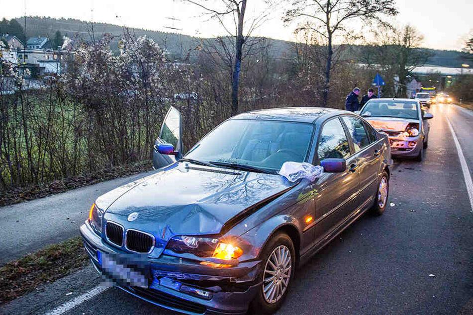 Der BMW hielt rechtzeitig an, konnte den Unfall aber auch nicht verhindern.