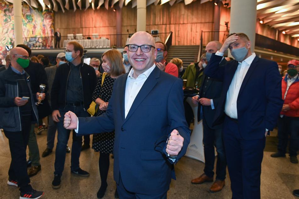 Die Chemnitzer OB-Wahl wurde von der Landesdirektion Sachsen (LDS) für gültig erklärt. Sven Schulze (49, SPD) kann damit sein Amt antreten.