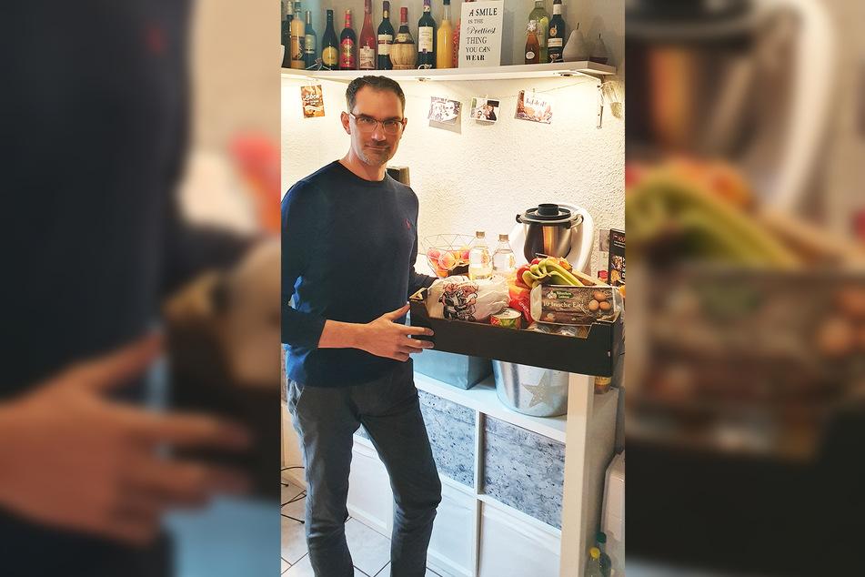 Andreas Langhammer (44) wird von seiner Familie mit Lebensmitteln versorgt.