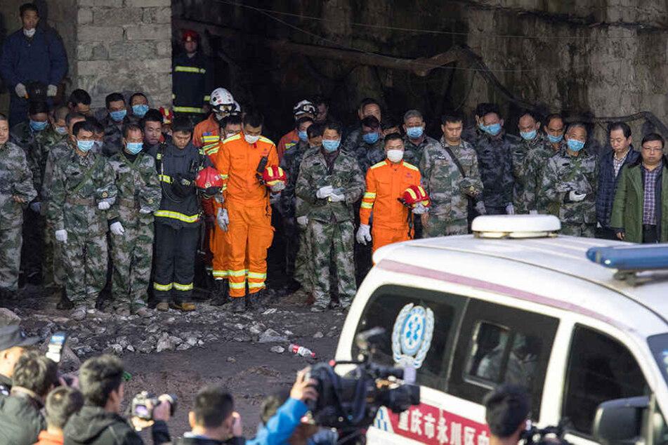 Bei einer Gasexplosion in einer chinesischen Kohlegrube sind 33 Kumpel ums Leben gekommen.