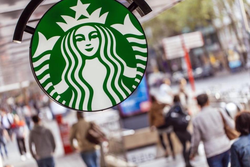 Starbucks will in den kommenden fünf Jahren 10.000 Flüchtlinge einstellen.