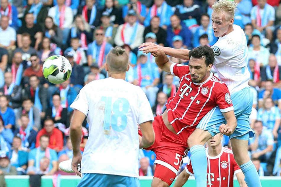 Im Benefizspiel gegen die großen Bayern übersprang Tom Scheffel beim Kopfball sogar Nationalverteidiger Mats Hummels.