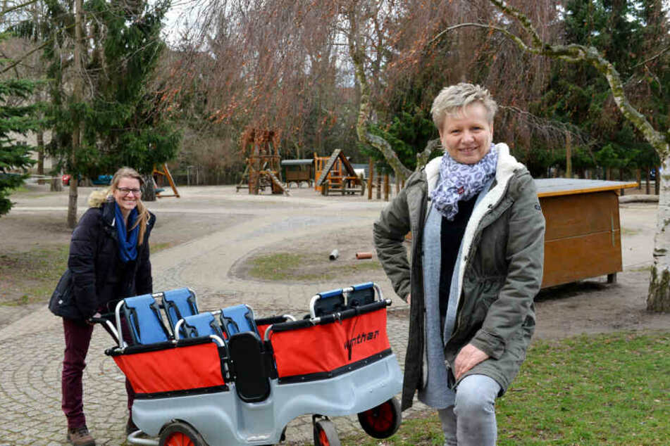 Anja Schindler (34, li.) Azubi in der berufsbegleitenden Ausbildung und Leiterin Anke Kemter (51) suchen Unterstützung.
