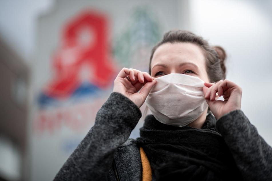 In Baden-Württemberg haben sich bislang mindestens 50.925 Menschen mit dem Coronavirus infiziert, 1890 starben.